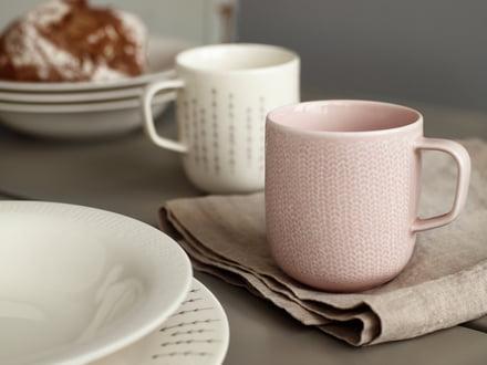 Kaffekrus til det farverige morgenbord.