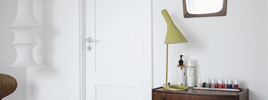 Louis Poulsen stellt innovative Design-Leuchten, wie die ph5-Lampe, her. Weltweit bekannte Designer, wie Poul Henningsen oder Arne Jacobsen, entwickelten die edlen Leuchten.