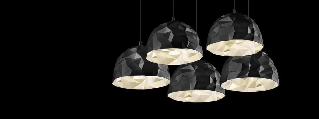 Brandet Diesel Living producerer lamper og møbler. Rock-pendellampen blev designet udfra et stone-look og er imponerende med sine forskellige nuancer.