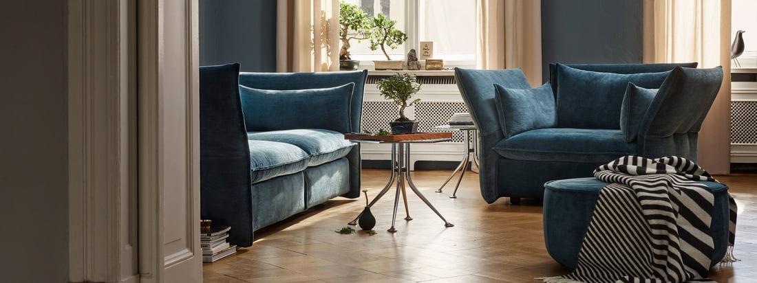 Mariposa Love Seat fra Vitra bliver mere eller mindre synlig i rummet afhængigt af farvevalget.