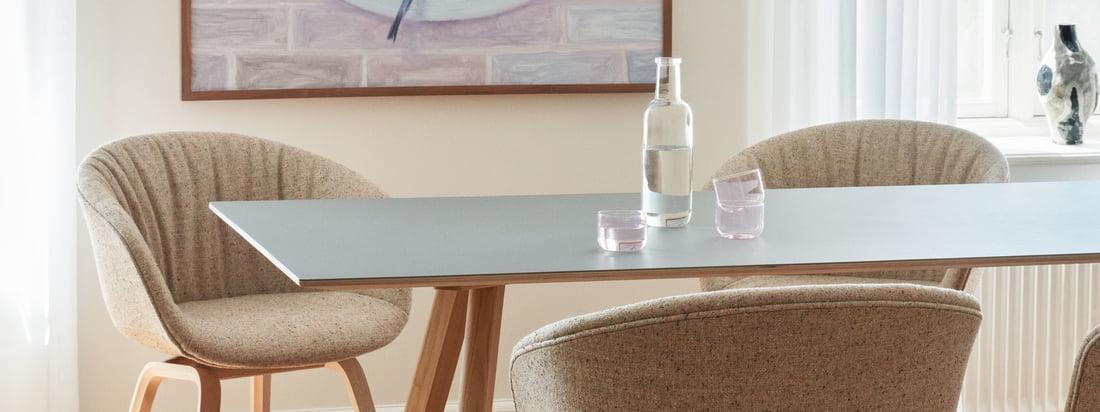 Med sin enkle form og elegante design passer About A Chair AAC 23 Soft i variant eg lakeret / fuldt polstret Bolgheri LGG60 ind i ethvert rum.