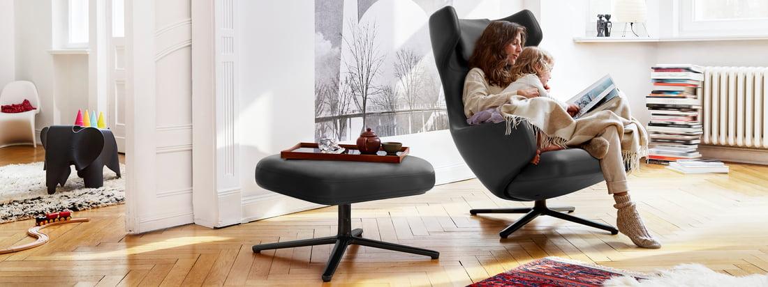 Grand Repos og Repos Lounge Chairs fra Vitra er mere end bare behagelige lænestole: De passer perfekt ind i atmosfæren og sikrer stilfuld komfort.