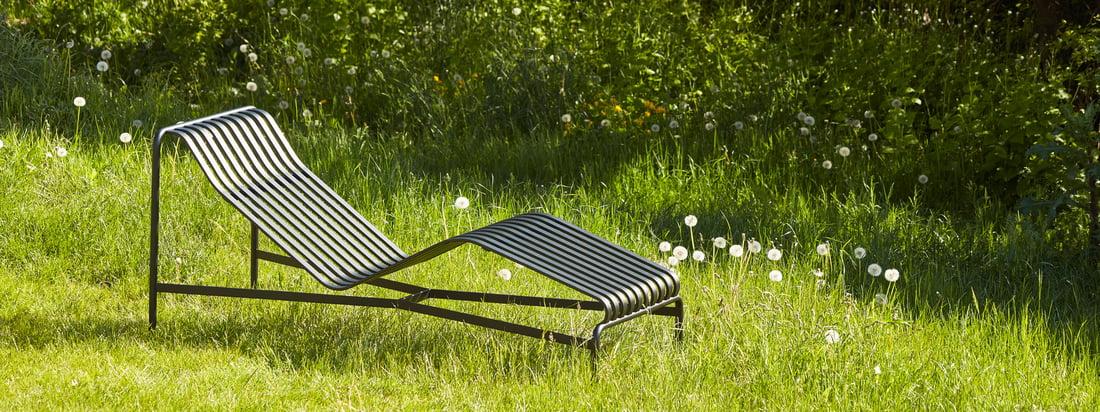 Outdoor fra Hay bringer skandinavisk stil ind i det udendørs område - for eksempel med Palissades-serien med sine smarte stållameller.