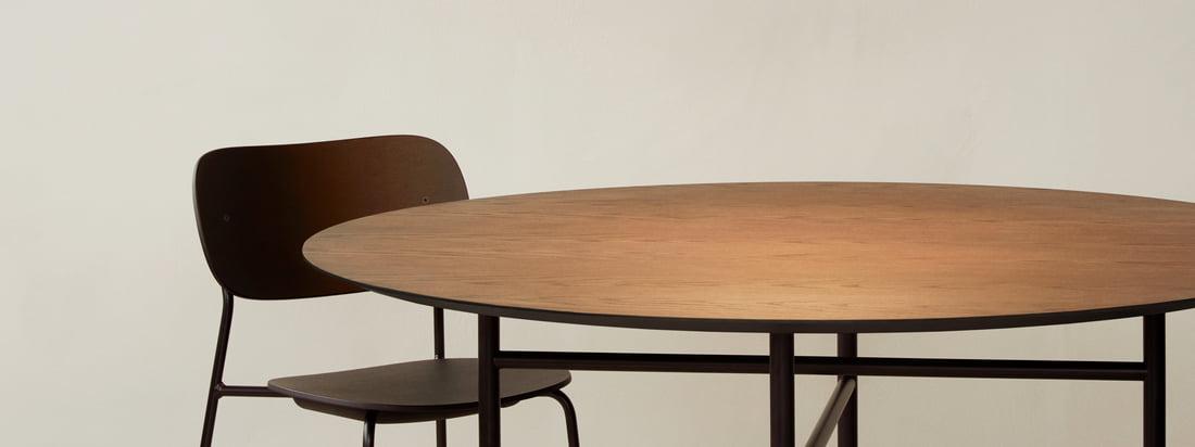 Circular-pendlen fra Menu fungerer som en stor iøjnefaldende over spisebordet, for eksempel snaregade-bordet, og selvfølgelig også som en god lyskilde.