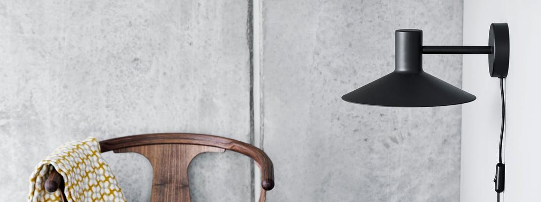 Minneapolis -serien fra Frandsen imponerer med sit unikke, klare designsprog. Den store og flade lampeskærm, der næsten ser japansk ud, er karakteristisk.
