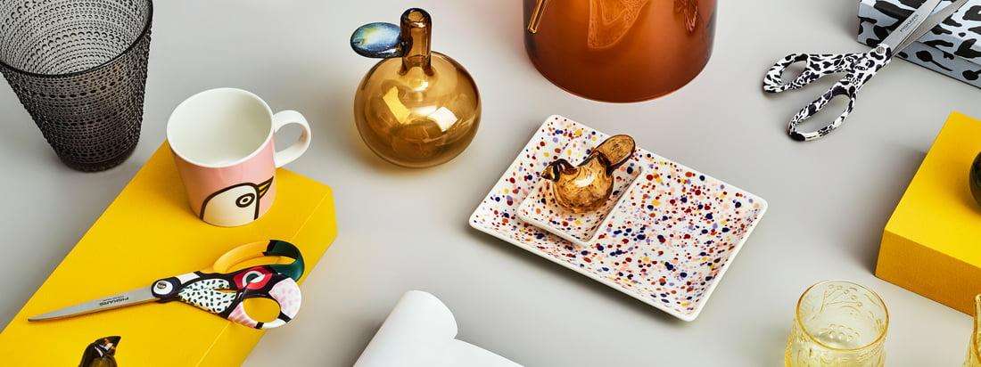 Den muntre Oiva Toikka -kollektion fra Iittala indeholder en række forskellige produkter med talrige legende mønstre, der kan kombineres på vidunderlig vis.