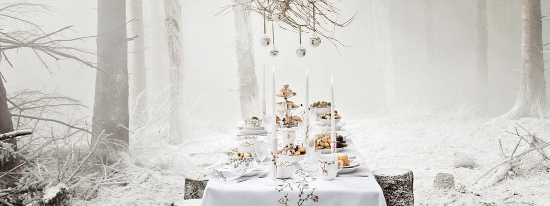 Hammershøi julekollektion sikrer Kähler Design en stilfuld og elegant fest, som er udstyret med det smukkeste bordservice og fine dekorationsgenstande.
