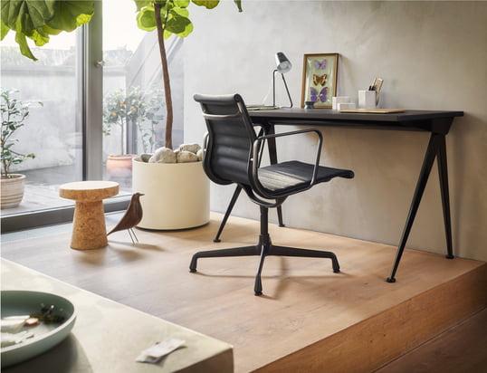 Find vores kontorstole, skriveborde og sekretærer...