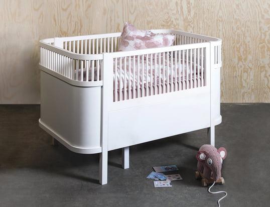 Her kan du finde møbler til børn...