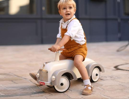 Find spændende køretøjer til dine børn her...