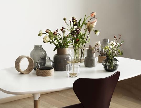 Her kan du finde skåle, lysestager, vaser og meget mere til at pynte dit bord...