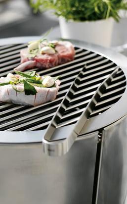 Find grilltilbehør som f.eks. grilltænger, spyd, spatler, røgflis, marinadeglas, grillpensler og meget mere...