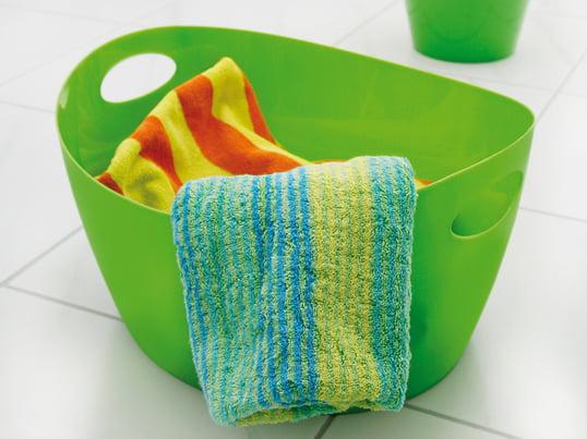 Om den bruges til at skabe orden i soveværelset eller som vasketøjskurv eller badekar på badeværelset – den farvestrålende Bottichelli fra Koziol er ideel til opbevaring af forskellige sager. Opbevaringskurven er en slidstærk ledsager takket være polypropylen, der er et robust og stabilt materiale.