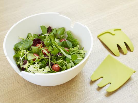 Hands On salatskålesættet fra Joseph Joseph kombinerer design og funktionalitet. Hands On skålen har indbygget salatbestik udformet som to udstrakte hænder.