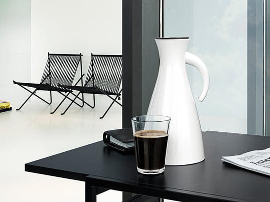Termokanden fra Eva Solo til Eva Solos tefilter og kaffefilter. Den hvide termokande er specielt velegnet til varme eller kolde drikke.