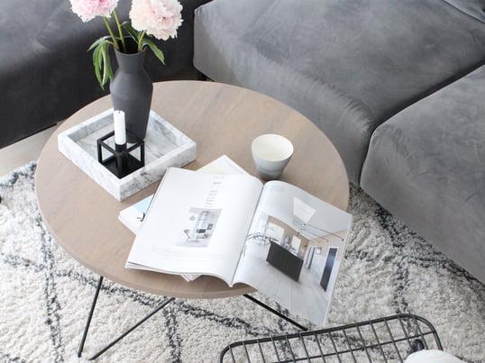 I kombination med bløde puder bliver WM String Lounge Chair fra Menu til en endnu mere konfortabel stol, som man gerne vil blive siddene på i længere tid.