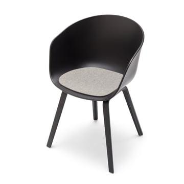 Hey Sign – lyst spraglet filthynde til About a Chair sidebillede og med stol
