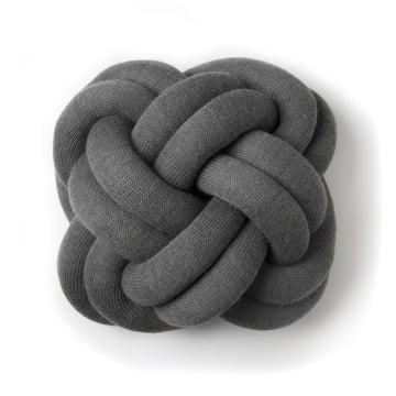Knot puden i grå fra Design House Stockholm