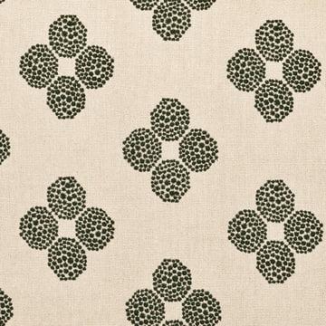 Hana Beads stof i beige/sort fra Kvadrat