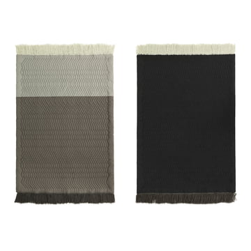 Trace tæppe fra Normann Copenhagen i grå