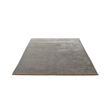 &Tradition – Moor tæppet AP5 i størrelsen 170 x 240 cm og i farven grey moss