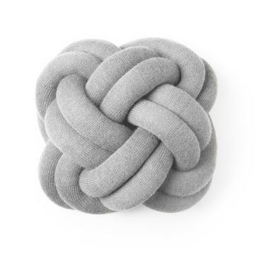 Knot pude, lysegrå fra Design House Stockholm