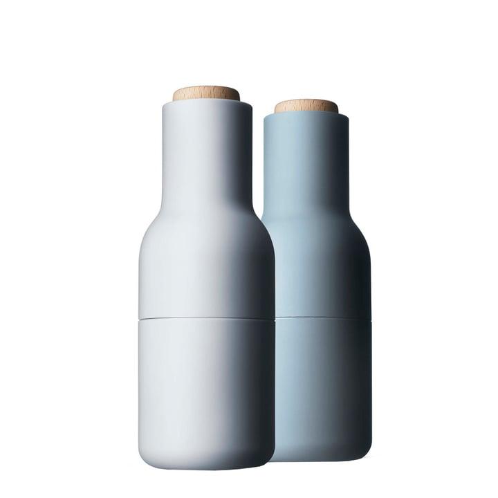 Flaske salt og peber møller sat af Menu i lyseblå (træ låg)