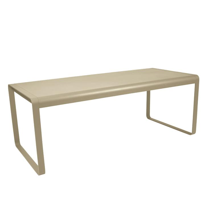 Bellevie bord af Fermob i muskatnød