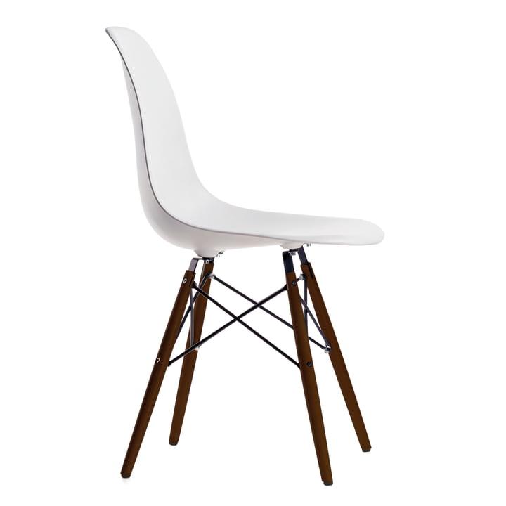 Vitra – Eames Plastic Side Chair DSW, mørk ahorn/white