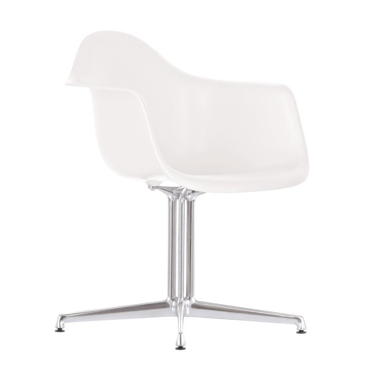 Eames Plastic lænestol DAL fra Vitra i hvid med filtpuder