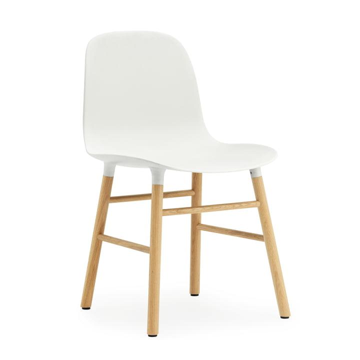 Normann Copenhagen – Form stol, hvid/eg
