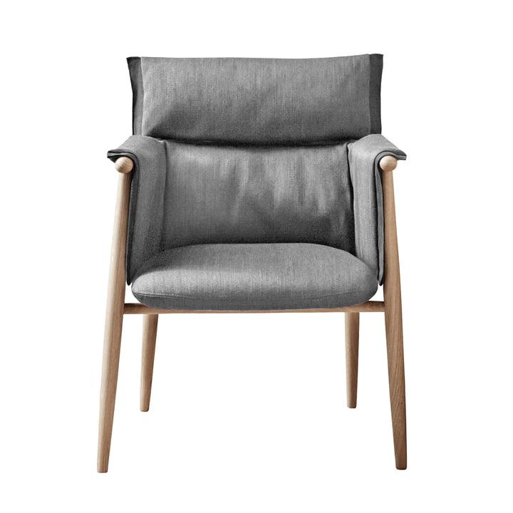 Embrace Chair af Carl Hansen lavet af sæbet eg / Gabriel Byron Col. 2101