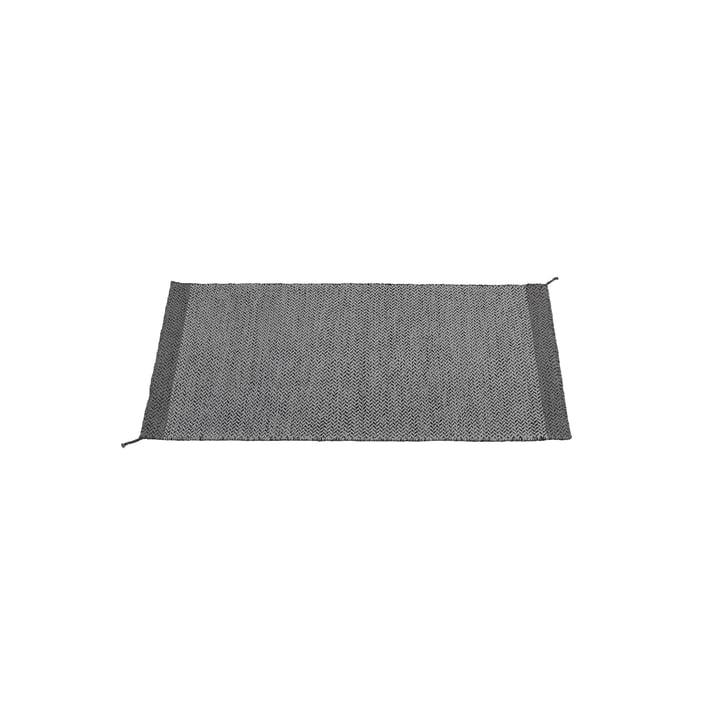 Ply tæppet på 85 x 140 cm i mørkegråt fra Muuto