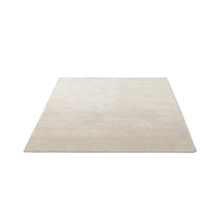 &Tradition – Moor tæppet AP5 i en størrelse på 170 x 240 cm og i farven beige dew