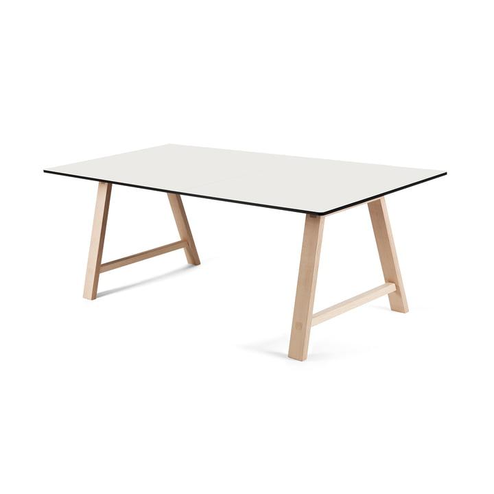 T1 udtræksbord på 160 cm fra Andersen Furniture (understel i sæbebehandlet eg, bordplade i hvid laminat)