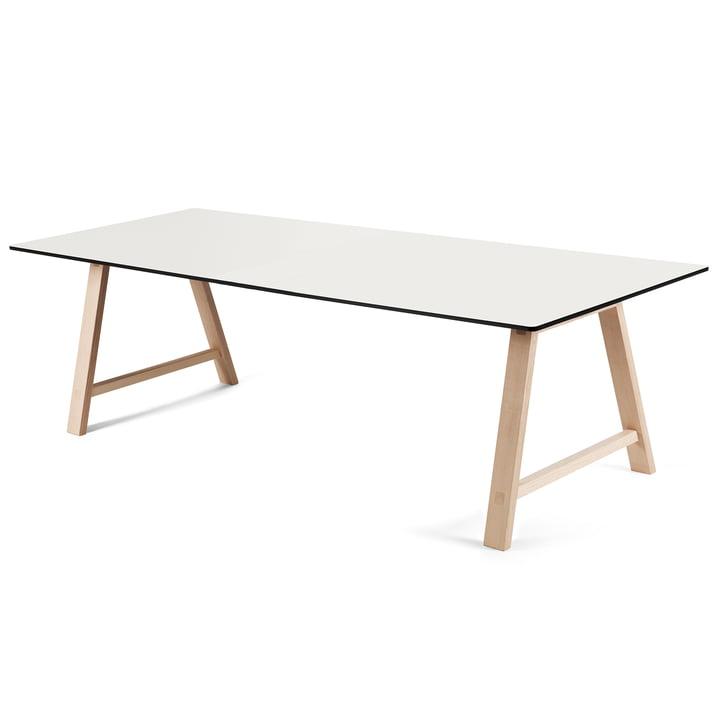 T1 udtræksbord på 220 cm fra Andersen Furniture (understel i sæbebehandlet eg, bordplade i hvid laminat)