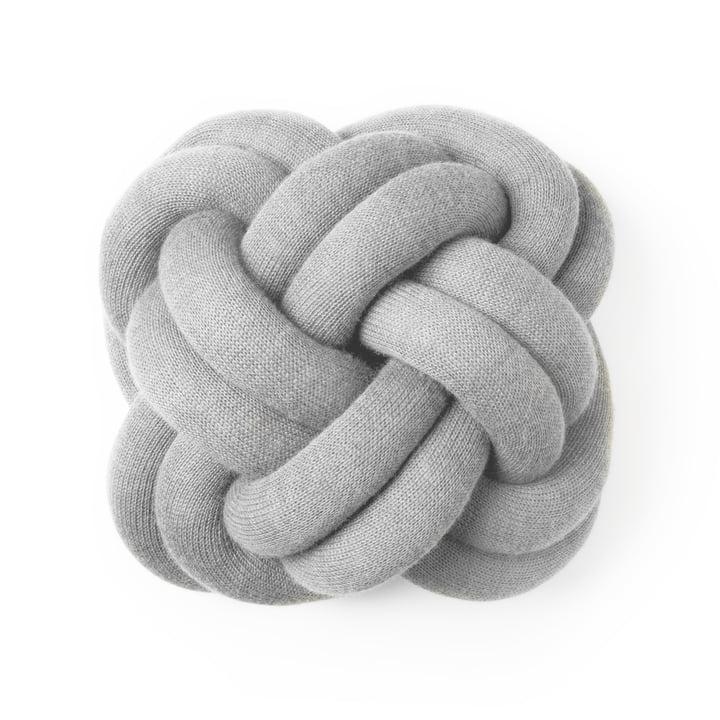 Knot, lysegrå af Design House Stockholm