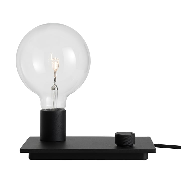 Control bordlampen i sort fra Muuto.