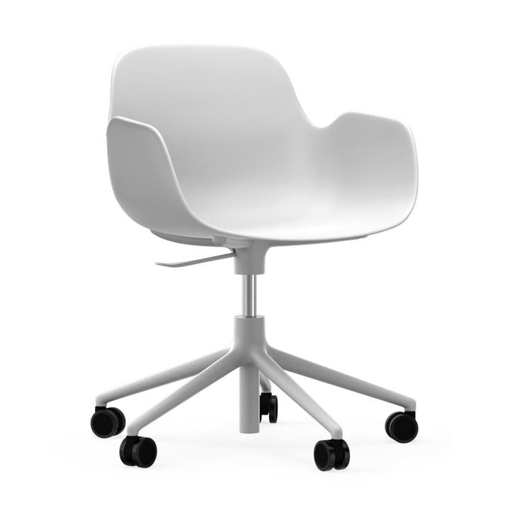 Formkontor drejelig lænestol fra Normann Copenhagen i aluminium hvid / hvid