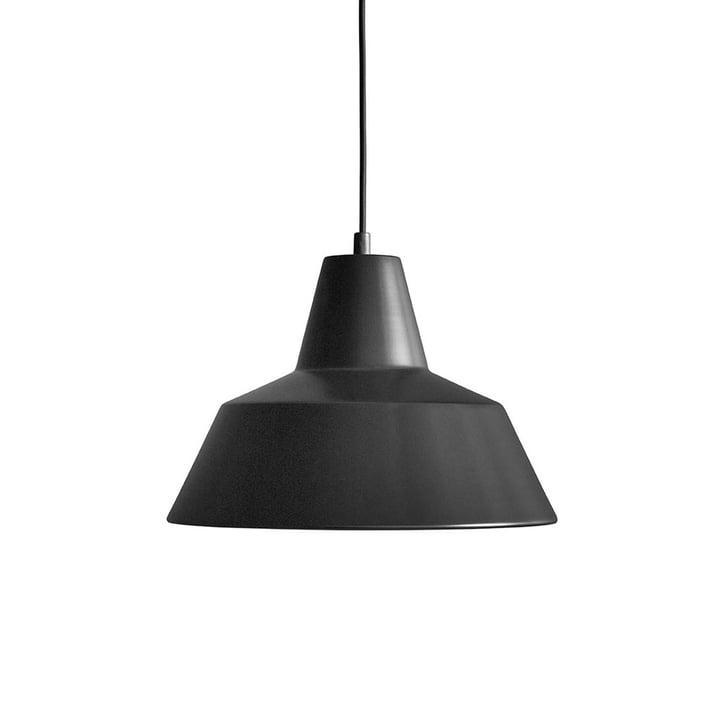 Workshop lampe W3 af Made by Hand i mat sort / sort