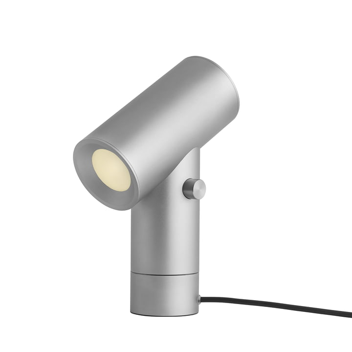 Beam LED bordlampe fra Muuto i aluminium