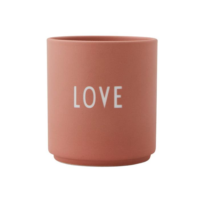 AJ Favourite porcelæns krus Love by Design Letters