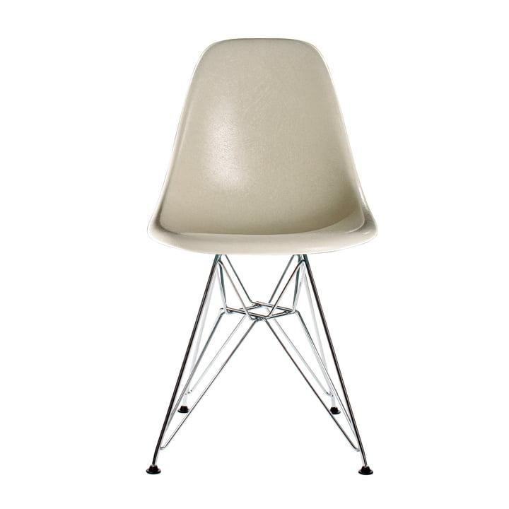 Eames Fiberglass Sidestol DSR fra Vitra i krom / Eames pergament