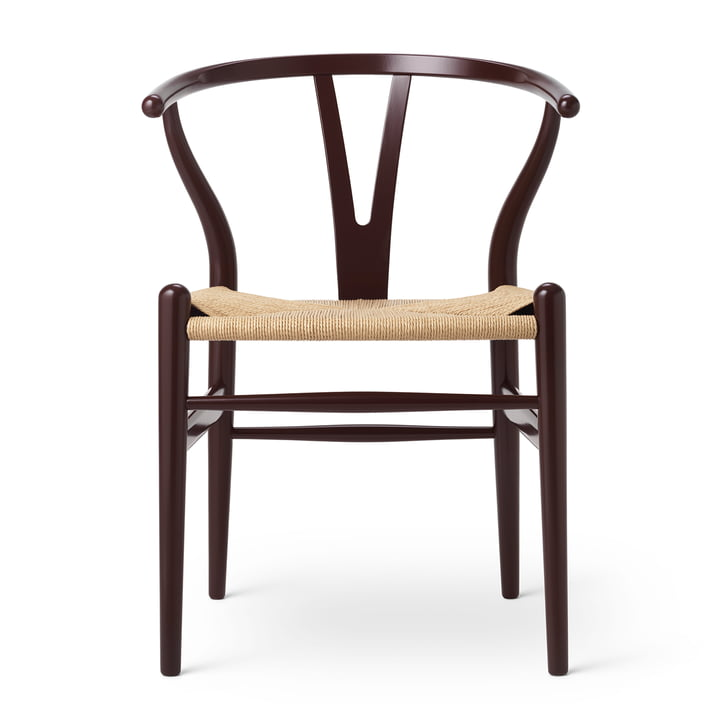 CH24 Wishbone Chair af Carl Hansen i bøg Deep Burgundy / natural wickerwork (Birthday Edition)