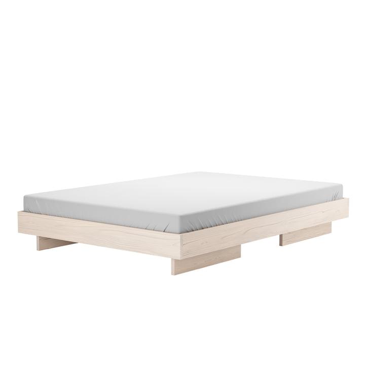 Zians seng med genstande fra vores tid voksede i aske