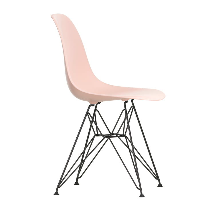 Eames Plastic Side Chair DSR af Vitra i grundlæggende mørke / pink