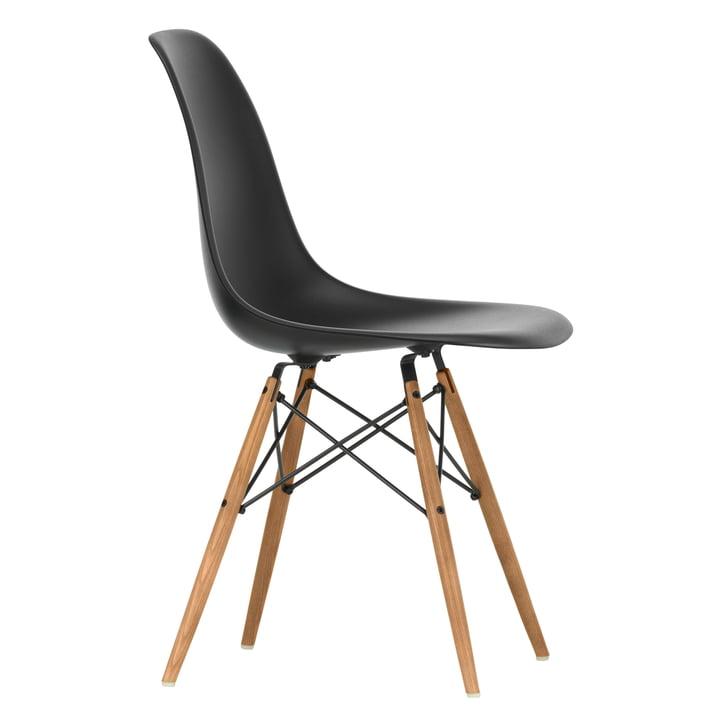Eames Plastic Side Chair DSW af Vitra i aske honning farve / dyb sort
