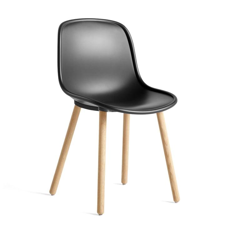 Ny 12 stol, matlakeret eg / blød sort af Hay