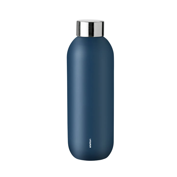 Opbevar kølig flaske 0,6 l fra Stelton i støvet blå