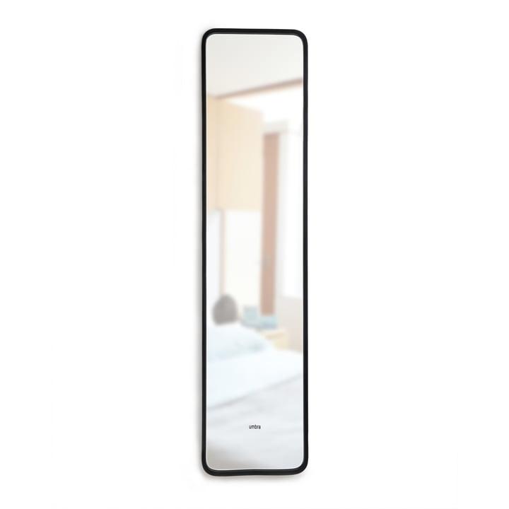 Hub, der hælder spejlet af umber i sort